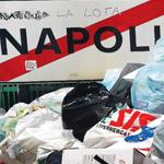 rifiuti in strada a Napoli